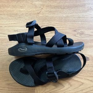 CHACO Womens Black Gray Toe Loop Hiking Sz 6 euc